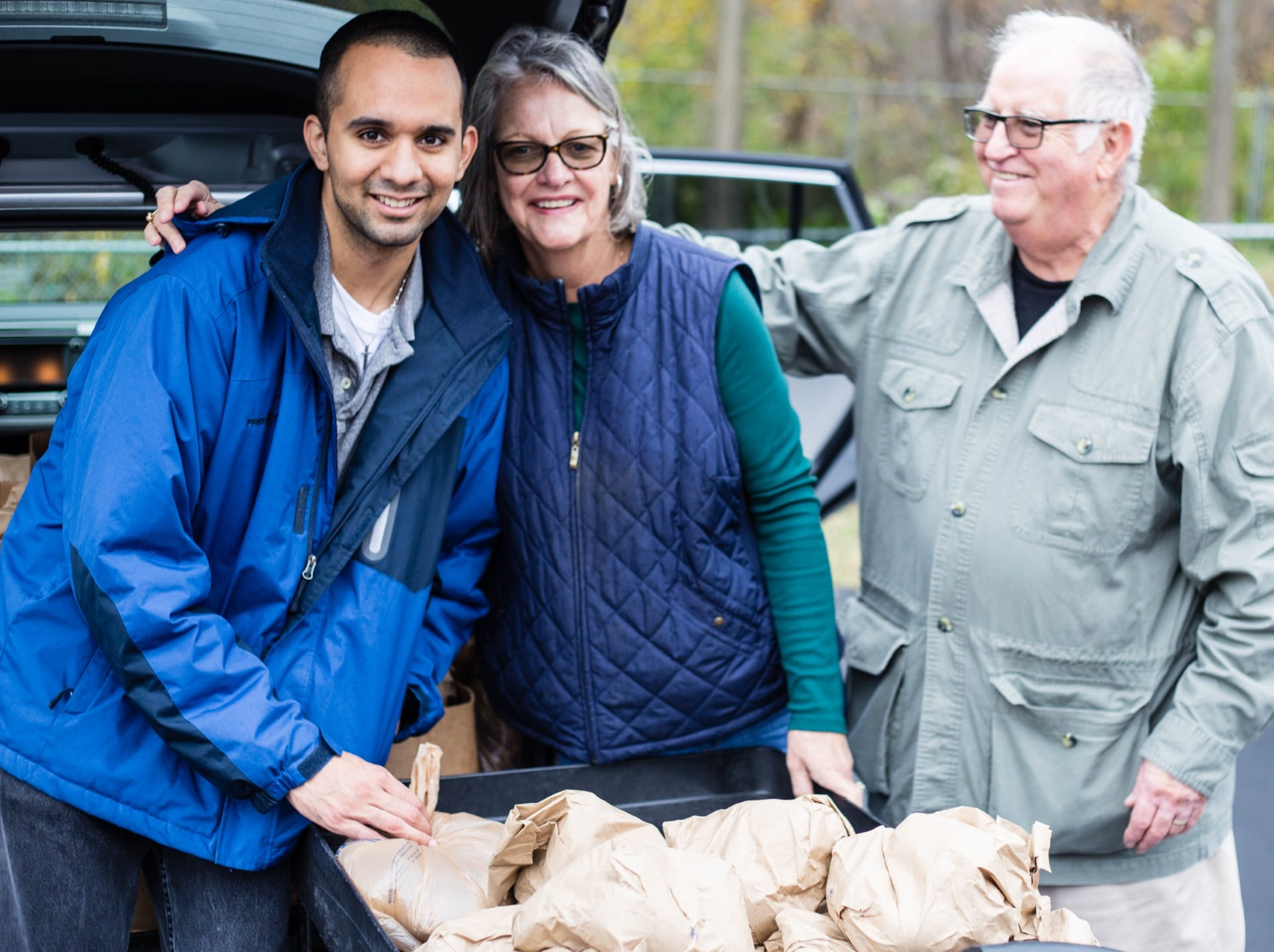 second harvest christmas food distribution 2017 img 0923 - St. Philip's Episcopal Church